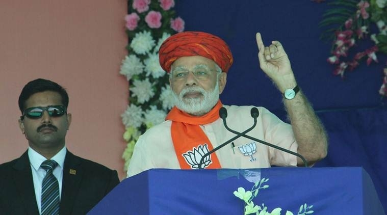 Those who have looted the country could only think of dacoits: Modi