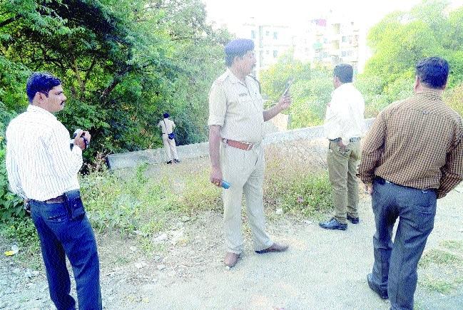 3 SHOs, 2 inspectors suspended
