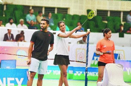 Badminton stars to take to courts today
