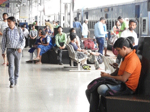 High speed free Wi-fi facility at Raipur, Durg stations liked by passenger