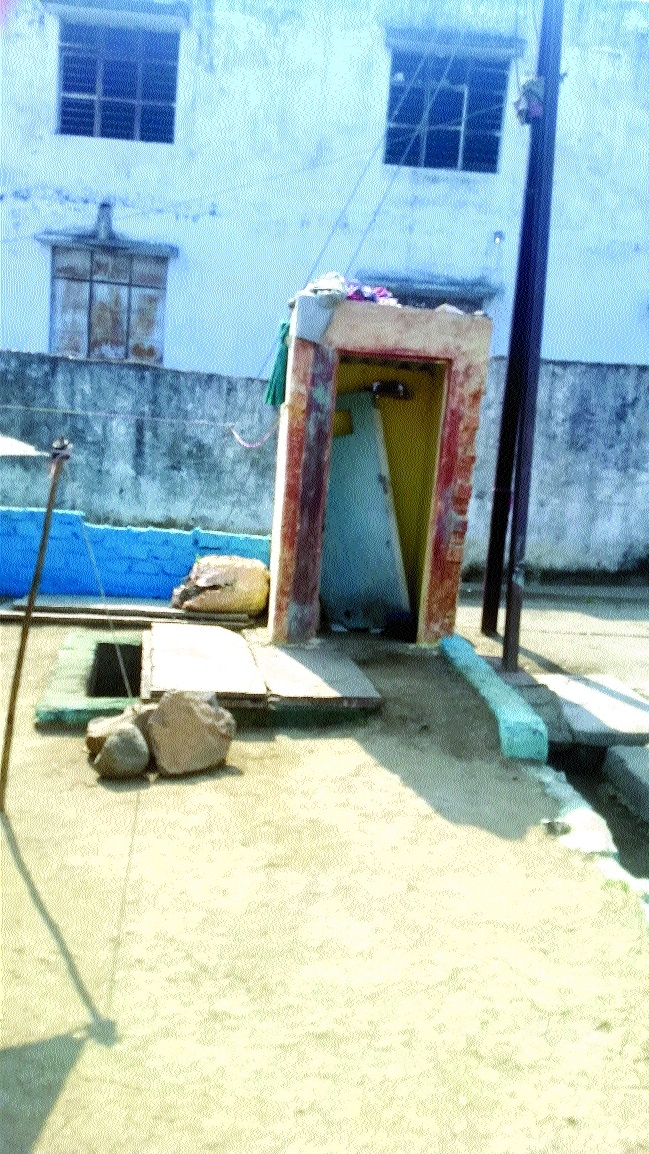 'Lota' party still the norm in Bhopal slums
