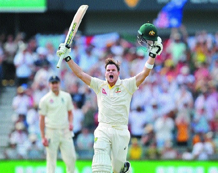 Smith double fades England Ashes hope