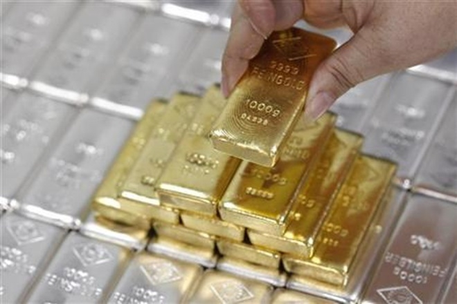 Gold, silver gain on global cues, buying support