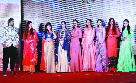 Khandelwal Sarees and Khandelwal Jewellers organises fashion show