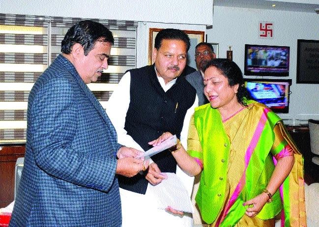 MoS Lalita Yadav calls on Union Minister Nitin Gadkari