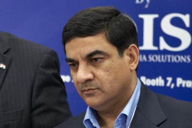 ED seizes arms dealer Sanjay Bhandari's Rs 26 crore assets