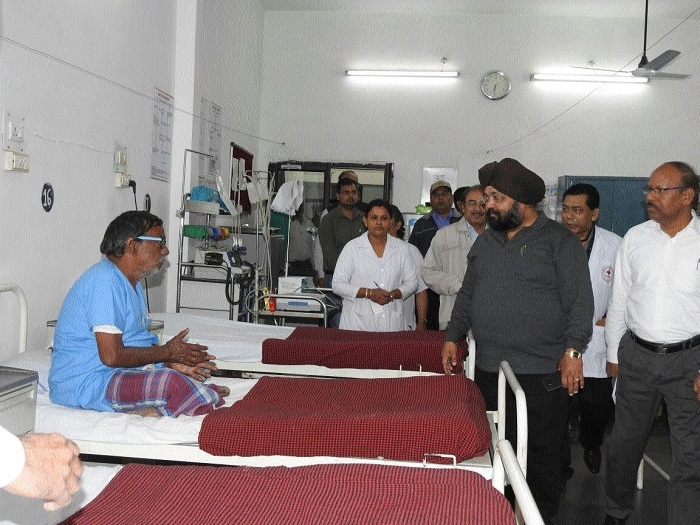 SECR General Manager inspects Railway Hospital at Wagon Repair Shop colony