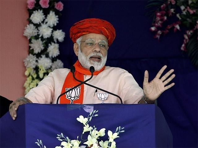 Modi accuses Cong of trying to divide society on caste lines