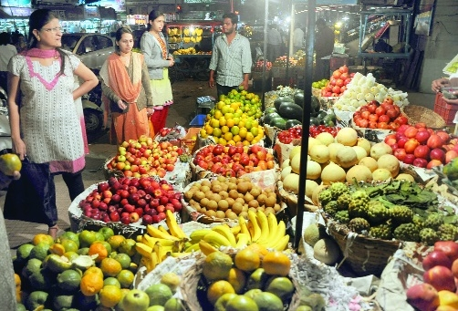 Retail fruit vendors witness significant drop in demand