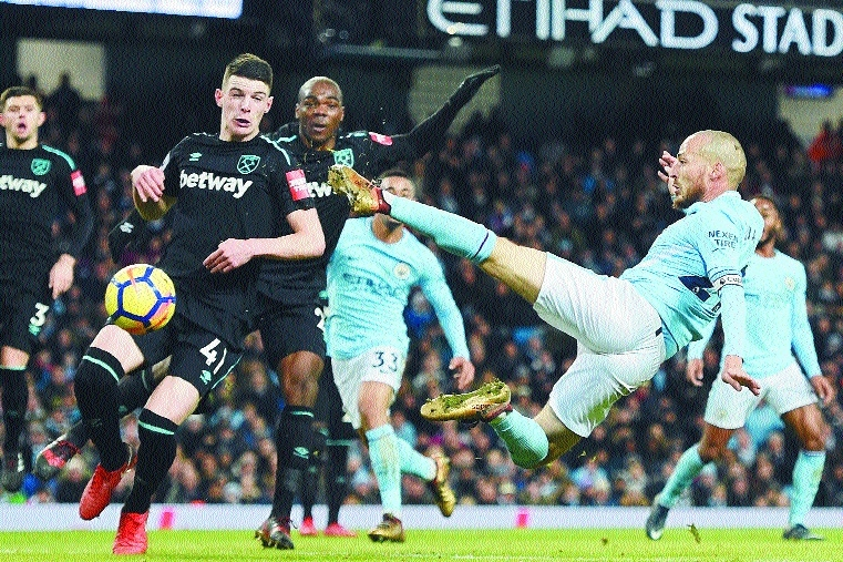 Late Silva goal extends City's winning run