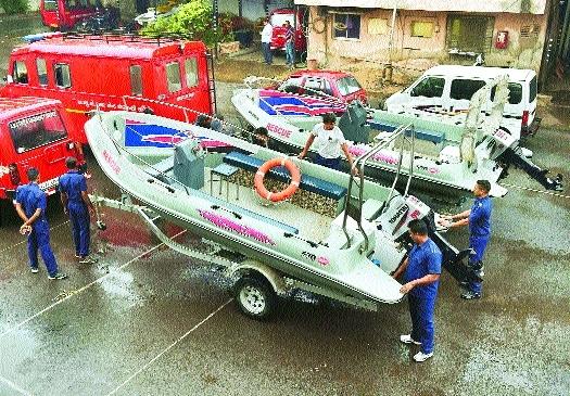 Cyclone Ockhi spares Gujarat