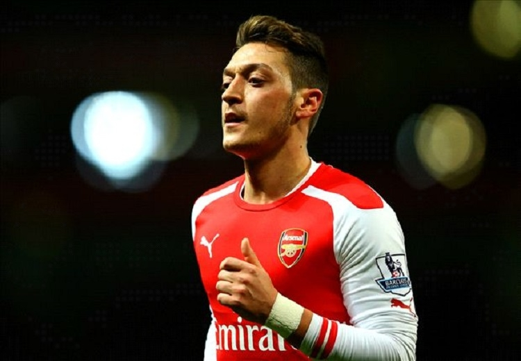 Ozil lacking confidence, feels coach Wenger