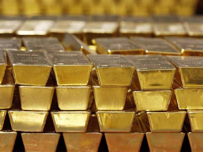 Gold slips below 30k; silver plunges by Rs 1,350/kg