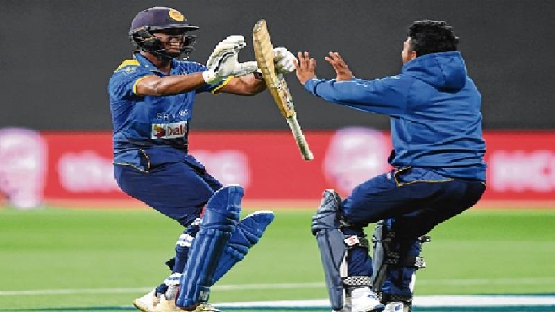 Gunaratne fireworks win T20 series for Sri Lanka
