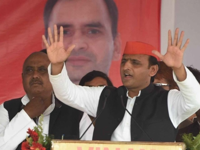 We do not discriminate between Ramzan and Diwali, says Akhilesh