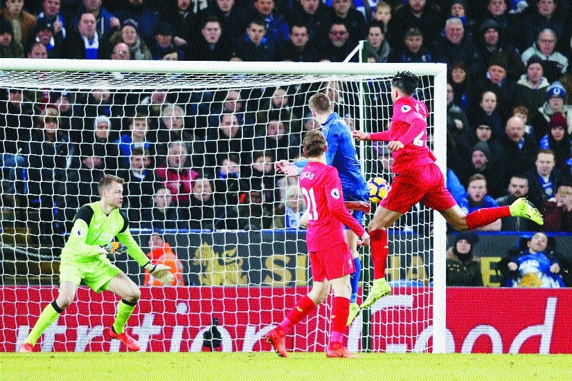 Two-goal Vardy lifts Leicester to post-Ranieri win