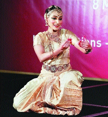 Rajini's daughter Aishwarya performs Bharatnatyam at UN on Women's Day