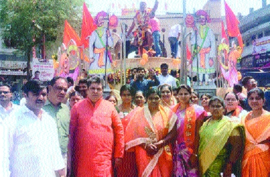 Shiv Sena workers pay rich tributes to Shivaji Maharaj