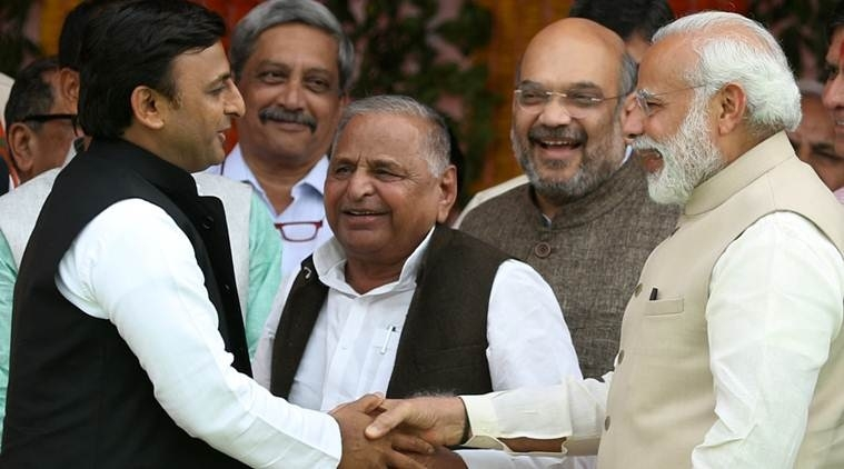 Modi all ears to Mulayam, pats Akhilesh in Yogi's swearing-in