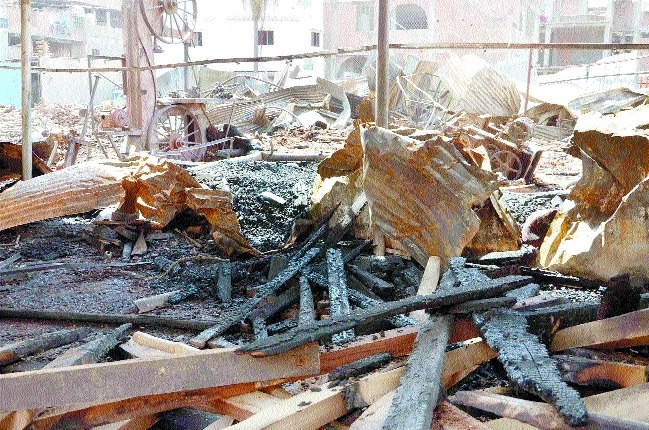 Wooden stock worth crores gutted in timber market