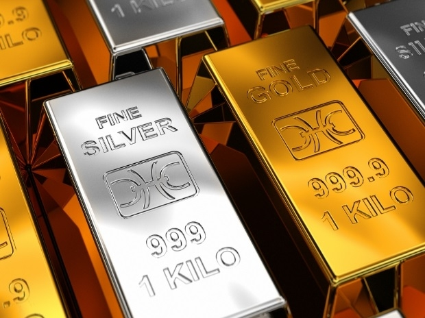 Gold declines; silver recovers