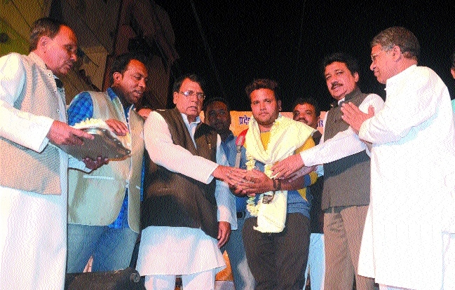 Lensman Bhupendra Singh felicitated