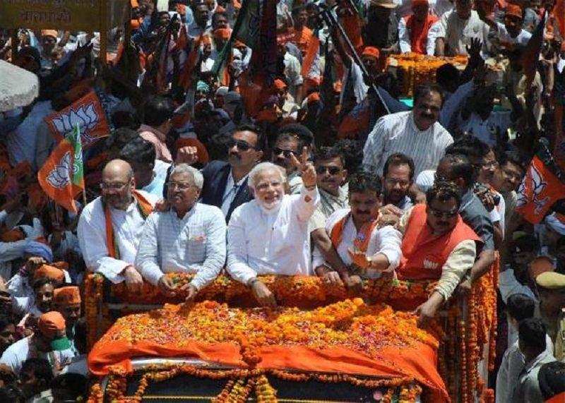 Modi's roadshow takes Varanasi by storm