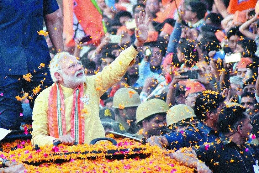 Thousands throng Modi's roadshow in Varanasi