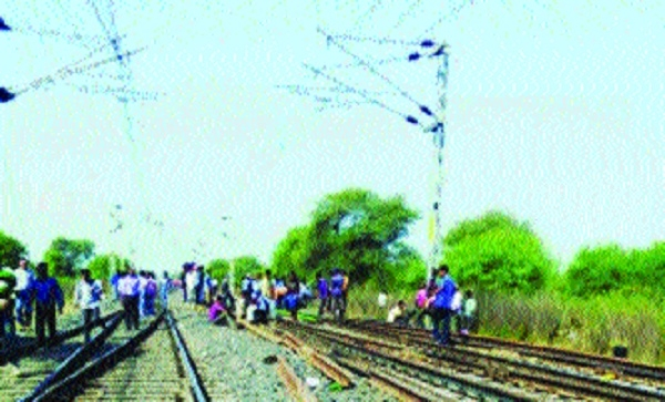 Mega block at Gurra rly station disrupts trains' time-table