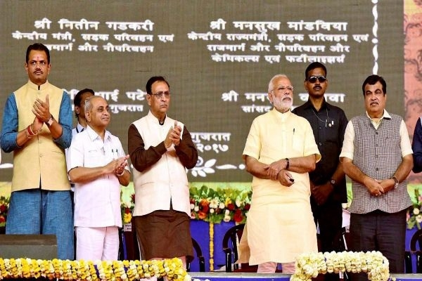 PM gives full marks to his Govt for curbing price rise, black money