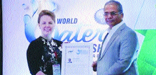 Arun Lakhani gets award