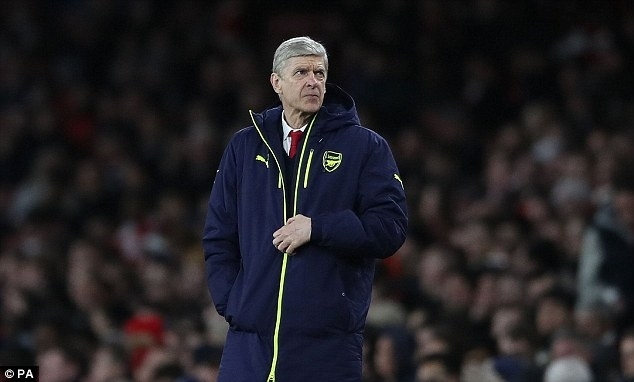 Wenger 'revolted' by referee as Arsenal crash out