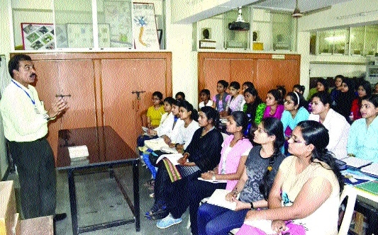 Mata Gujri College holds event on health awareness