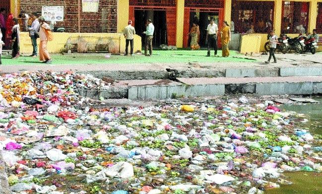 Scorching heat affecting door to door garbage collection