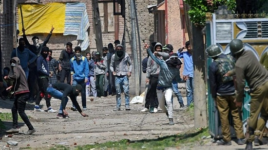 Only 7.14% polling in Kashmir by-poll