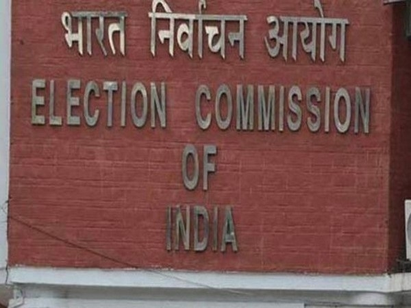 EC throws 'open challenge' to people to hack EVMs