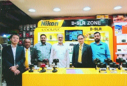 Nikon India MD Kazuo Ninomiya visits Altaf H Vali showroom