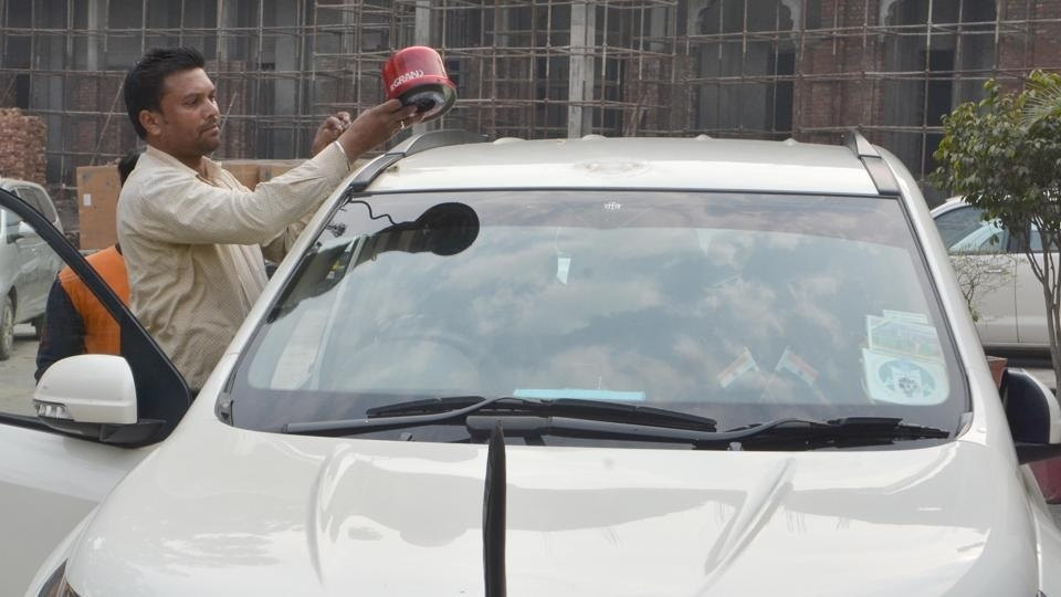 No red beacons for VIPs including President, PM