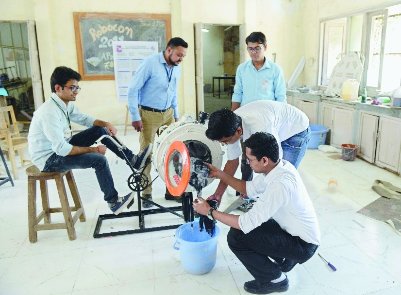 Lalbhai Dalpatbhai Engineering  students pedal operated laundry washing machine.jpg