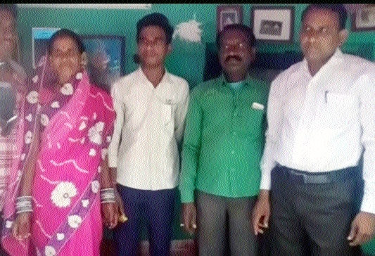 Farmer's son Dhavendra tops in CGBSE 12th examination