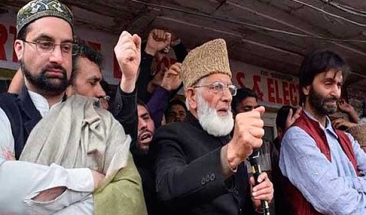 Will chop off your heads for interfering in 'struggle for Islam': Hizbul to Hurriyat