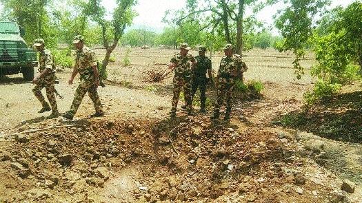 DGP visits landmine blast site