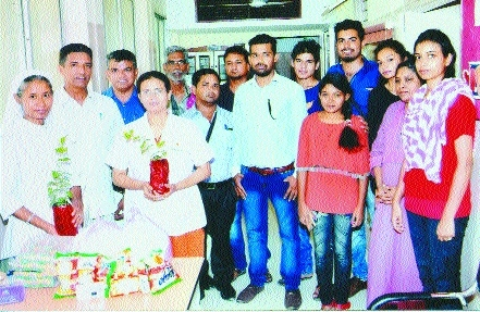 Sister Martha, Sister Indrayani Pawar feted by Nagpur (District) Congress Committee