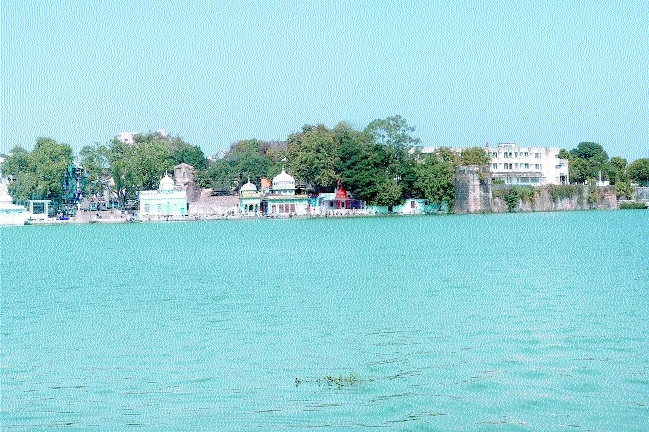 Municipal bodies to ensure water bodies remain free from encroachments