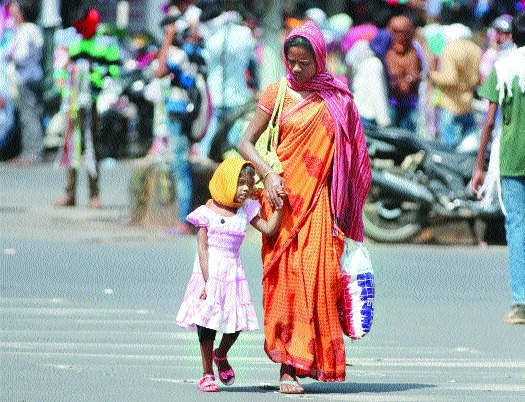 Summer heat returns, mercury rises to 44.70 C
