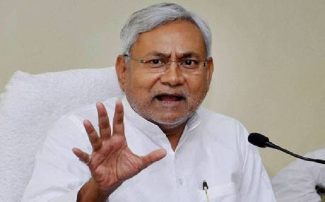 Not in race for PM's post in 2019: Nitish