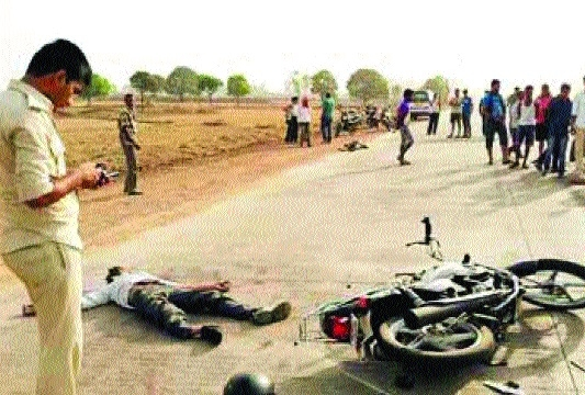 Two killed as bike collides with truck near Rampur Baghelan
