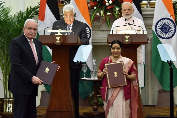 India, Palestine sign five deals