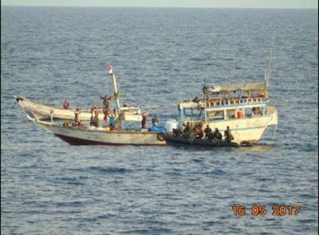 Navy foils piracy in Aden