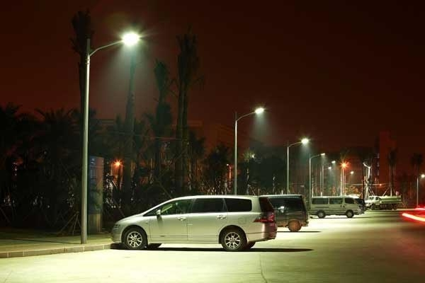 Out of 30,000, merely 6,500 street lights with LED